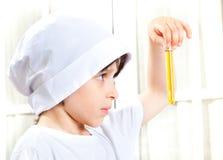 Chłopiec robi biochemiom Zdjęcia Royalty Free