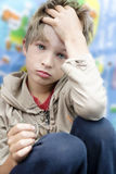 chłopiec spęczenie śliczny mały fotografia royalty free