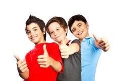 Chłopiec szczęśliwi nastolatkowie, najlepszy przyjaciel zabawa Obraz Stock