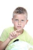 chłopiec target634_0_ świat dotykają kulę ziemską Fotografia Royalty Free