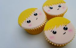 Chłopiec twarzy babeczek blondynki włosy Fotografia Royalty Free