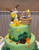 Chłopiec urodzinowy tort z królik dekoracją Obrazy Royalty Free