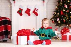 Chłopiec w bożych narodzeniach kostiumowych obraz stock
