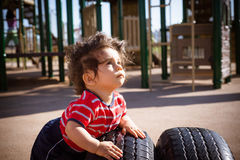 Chłopiec w boisku zdjęcia royalty free