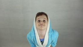 Chłopiec w kostiumu Wielkanocny królik zbiory