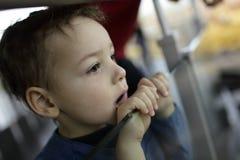Chłopiec w muzeum Fotografia Stock