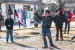 Chłopiec w uchodźcy obozie w bawić się Fotografia Royalty Free