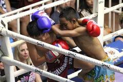 Chłopiec walczyć tajlandzki obrazy stock