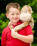 Chłopiec z faszerującym zwierzęciem obrazy stock