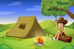 Chłopiec z namiotem i obozowym ogieniem royalty ilustracja