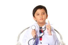 Chłopiec z stetoskopem. fotografia stock