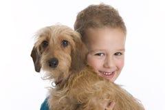 chłopiec zwierzę domowe psi mały Obrazy Royalty Free