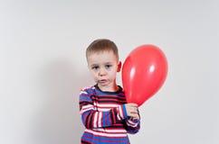 - chłoptaś od balonów trochę Obrazy Stock