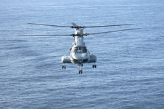 CH-46E Marineinfanteriekorps-Hubschrauber Lizenzfreies Stockfoto