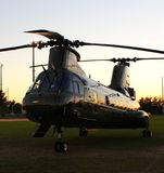 CH-46E日落 免版税图库摄影