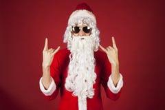 Chłodno Santa bujak na czerwonym tle Obraz Royalty Free