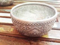 Chłodno woda w pucharze Zdjęcie Royalty Free