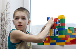 chłopiec budów dom Obraz Stock