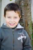 chłopiec drzewo Zdjęcia Royalty Free