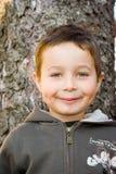 chłopiec drzewo Obrazy Royalty Free