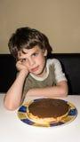 Chłopiec i handmade tortowa osoba Obraz Stock