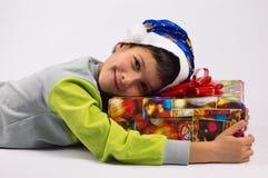 Chłopiec i prezent Zdjęcia Royalty Free