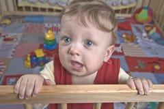chłopiec kojec Zdjęcia Stock