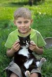 chłopiec kot Fotografia Royalty Free