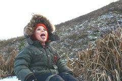 Chłopiec na naturze w zimie Obraz Stock