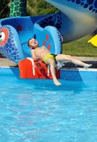 chłopiec obruszenia woda Zdjęcia Royalty Free