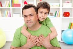 chłopiec ojciec jego preschool fotografia stock