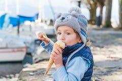 Chłopiec outdoors Zdjęcie Royalty Free