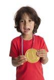 chłopiec pierwszy mali medalu miejsca przedstawienie Obraz Royalty Free