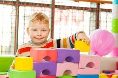 Chłopiec sztuki budowy set Fotografia Stock