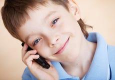chłopiec telefonu target2501_0_ Obrazy Stock