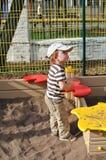Chłopiec w sandpit Zdjęcia Royalty Free