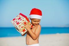 Chłopiec w Santa kapeluszu Obrazy Royalty Free