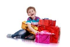 Chłopiec z prezentem Fotografia Royalty Free