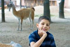 chłopiec zoo Fotografia Royalty Free