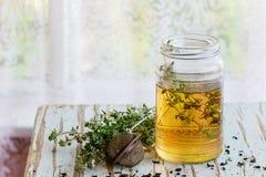 Chá quente do tomilho Imagens de Stock