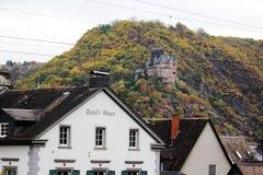 Ch?teau de Katz dans Goarhausen, vue de Sankt Goar, Allemagne image stock