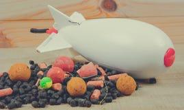 Chaîne avide SPOD d'air de carpe Fusée d'amorce - grande carpe Photographie stock libre de droits