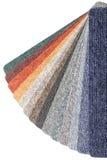Chaîne de couleur des échantillons de tapis Photos stock