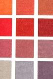Chaîne de couleur des échantillons de tapis photo stock