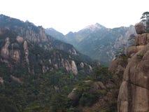 Chaîne de forêt et de montagne Image libre de droits