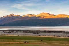 Chaîne de montagne autour de lac Pukaki Image libre de droits