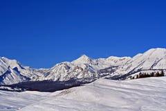 Chaîne de montagne de Gros Ventre au-dessus de Hoback River Valley dans Rocky Mountains central près de Pinedale au Wyoming Images stock