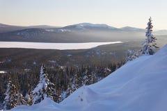 Chaîne de montagne Zyuratkul, paysage d'hiver Photo stock