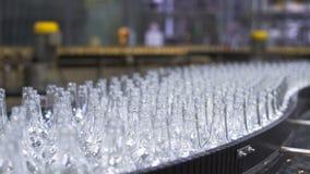 Chaîne de production de bière dans l'atelier Plan rapproché clips vidéos