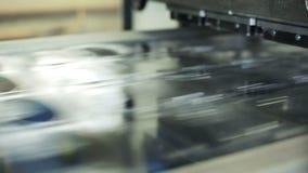 Chaîne de production de récipient unique pour le stockage de nourriture Fermez-vous à l'intérieur de l'usine banque de vidéos